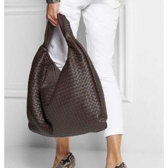 e108e04a11 Bottega Veneta Handbags - Authentic bottega Veneta hobo maxi